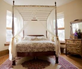 Bellas Castle Bed and Breakfast