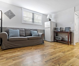Chic and Cozy 1 bedroom apt in DT Dartmouth