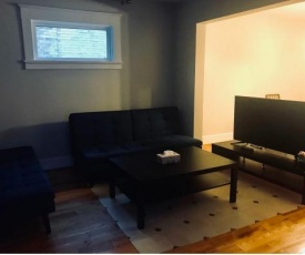 Cozy Home Close to Kitchener downtown