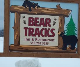 Bear Tracks Inn