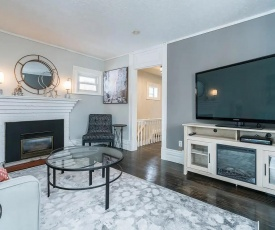 *LUXURY* Two Bedroom Home - Minutes to Downtown