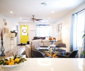 Luxurious Lovely 2 Bedroom Home - New Renovated!