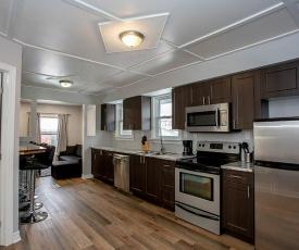 Modern 3 Bedroom Home Near Downtown and UWO