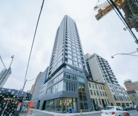 2 br condo in Heart of Downtown Toronto